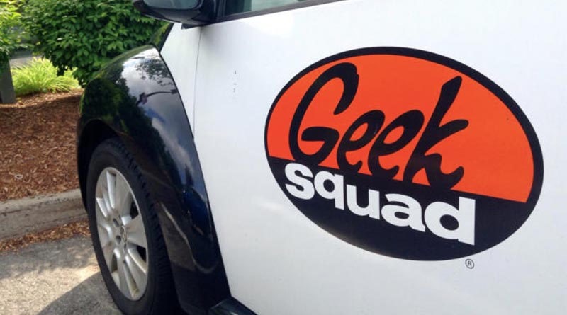 She just wanted a little help from the Geek Squad