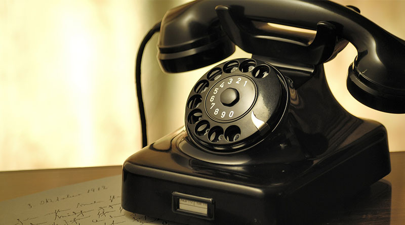 Need to fix a travel problem? Stay off the phone