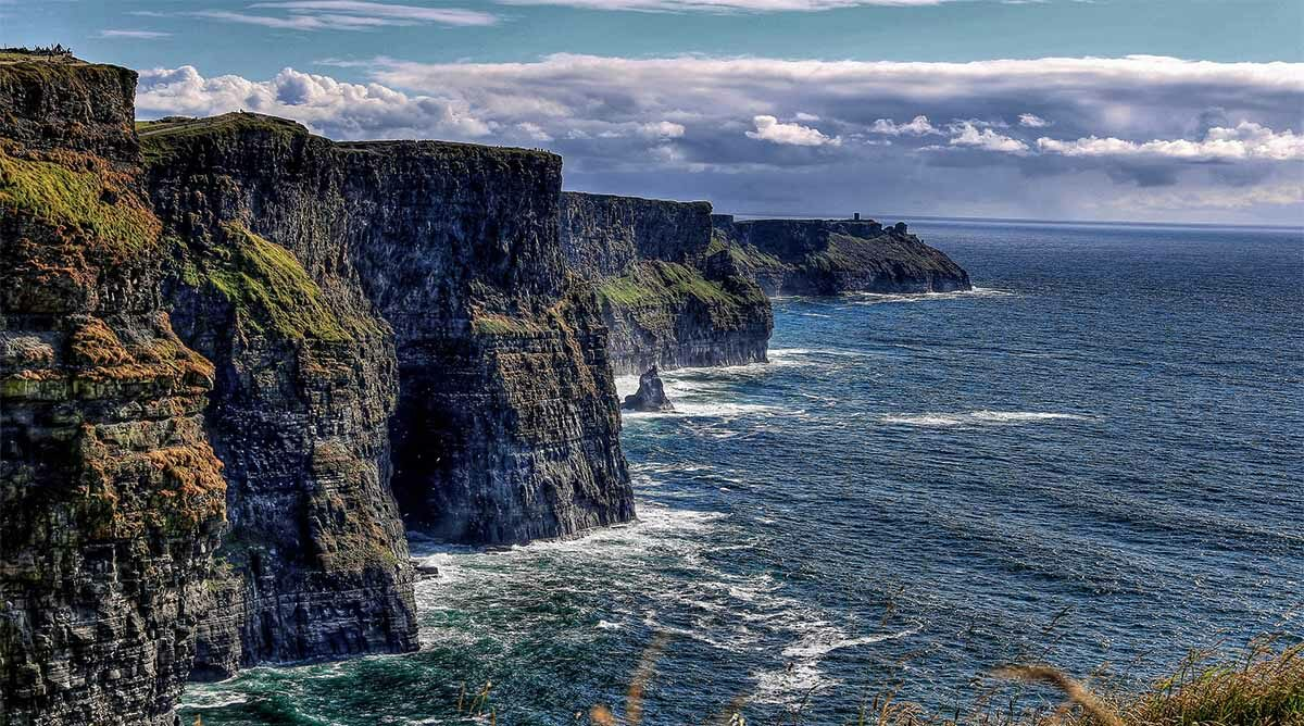This traveler's tour of Ireland was canceled. So where is her refund?