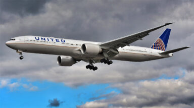 Can you take a business class upgrade and then get a refund? This United passenger believes so.