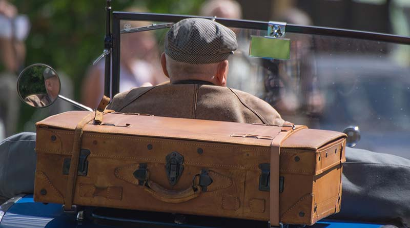 New summer luggage trends? Back to basics!