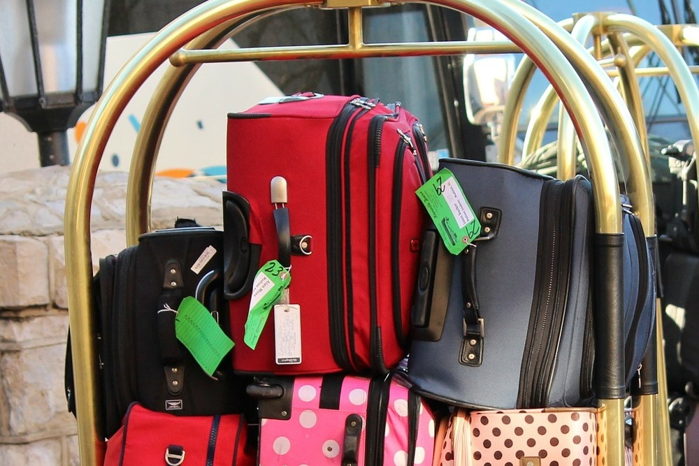 bag, baggage, luggage, pack, packing, trip, travel, clothes, clothing, bell hop, cart, hotel