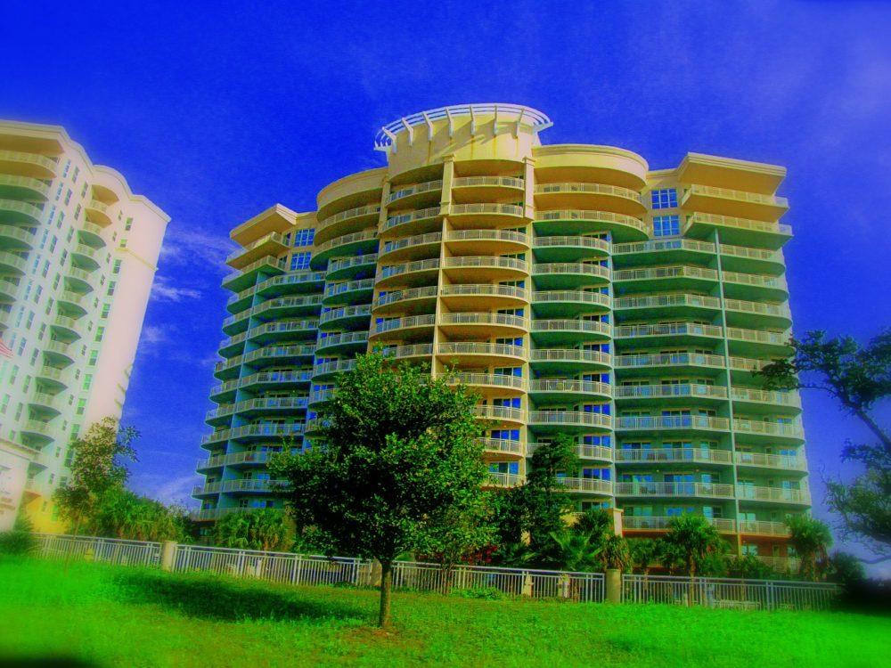 building-54472_1280