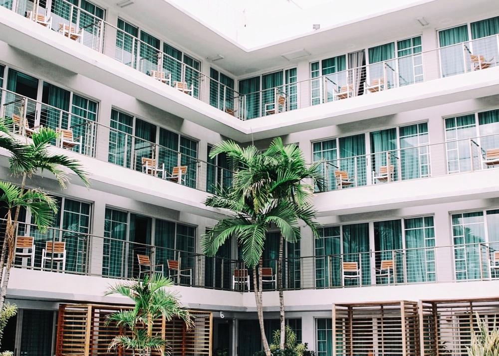 hotel-1209021_1280 (1)
