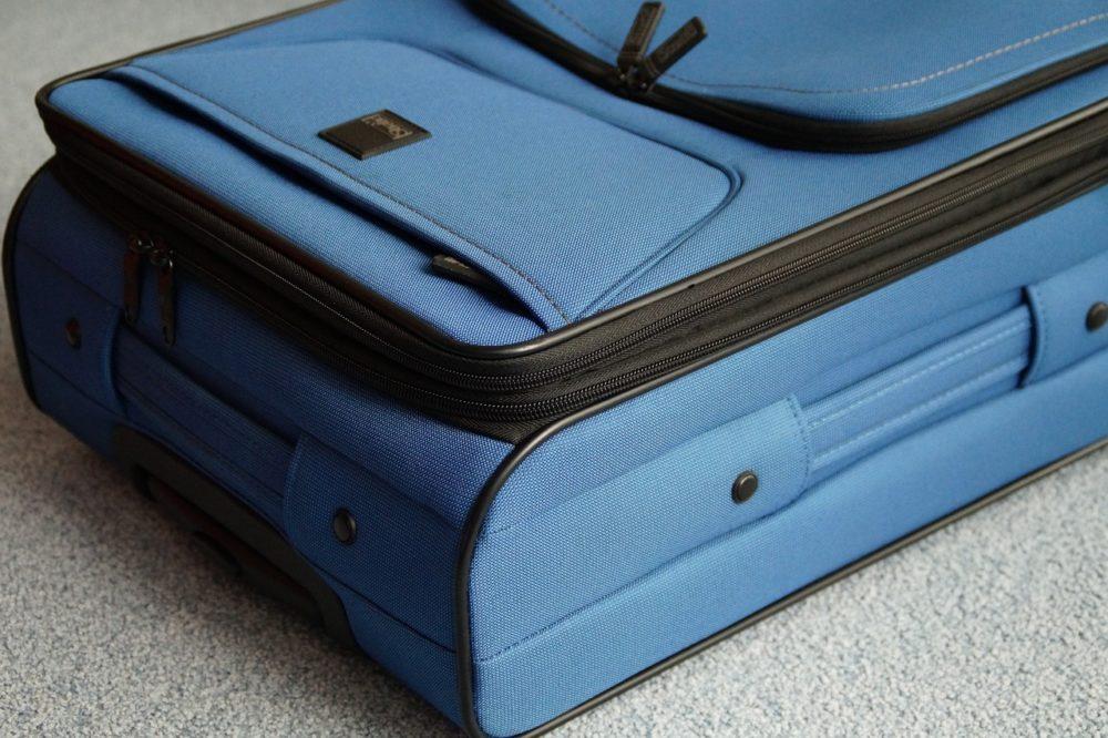 luggage-356735_1280