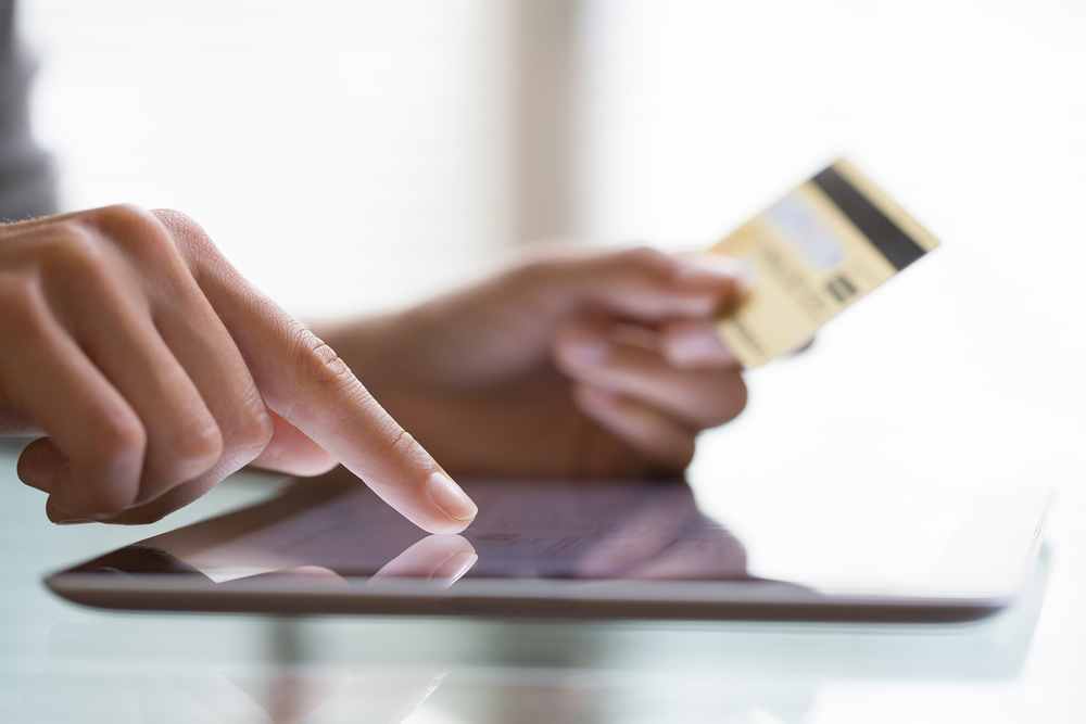 """Are credit cards with """"no"""" foreign transaction fees still scammy?"""