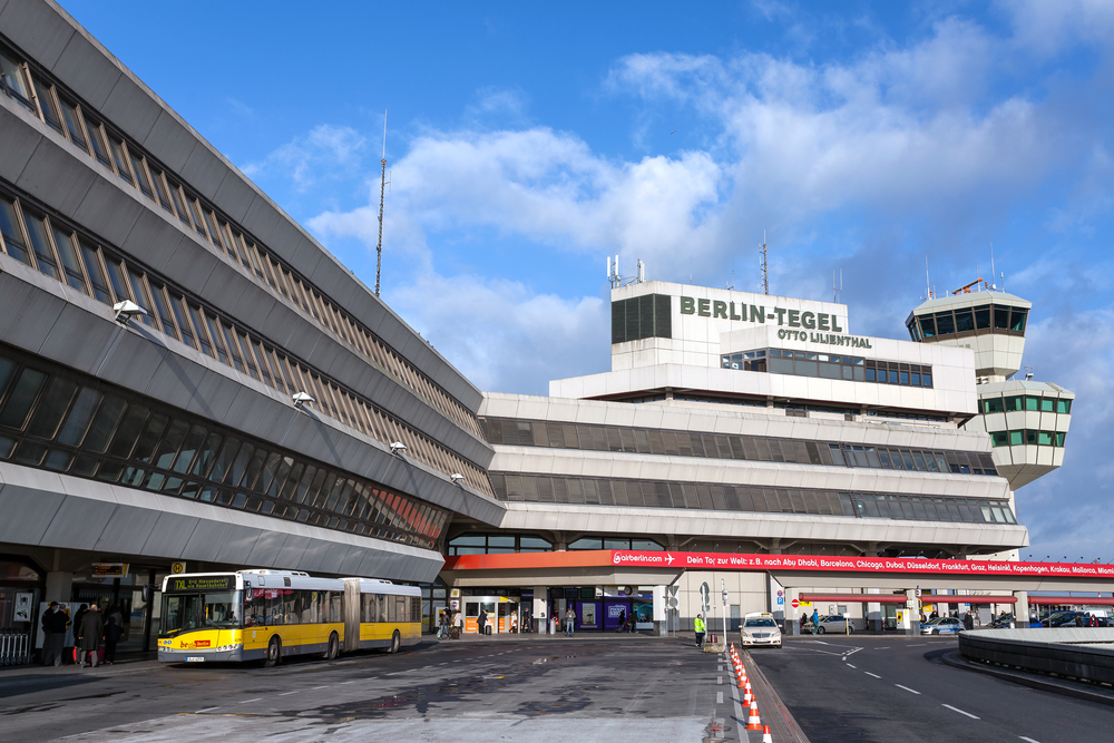 Forced to return his avis car to another location what for Berlin tegel rent a car