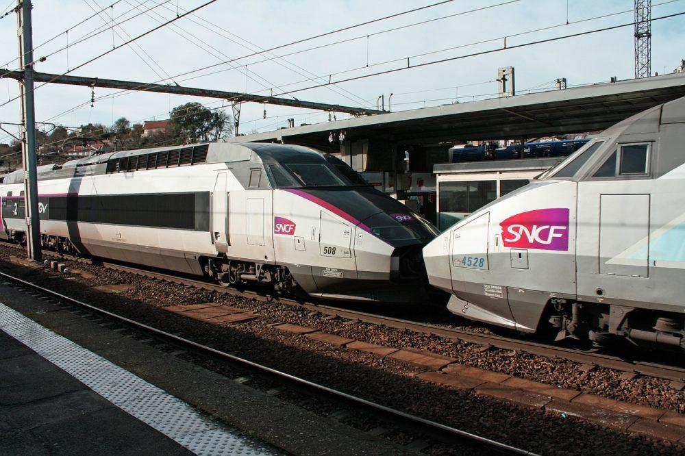 tgv-trains-258285_1280