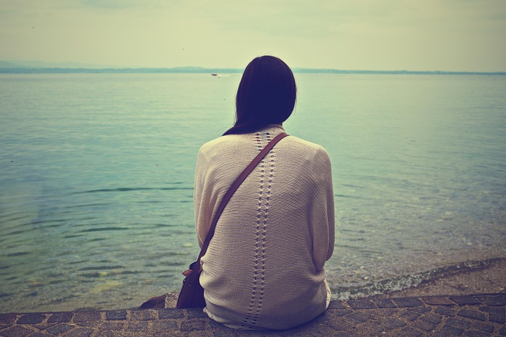 woman, girl, teen, alone, lonely, solitary, sea, ocean, lake, pond
